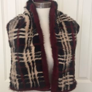 Burberry mink scarf and silk